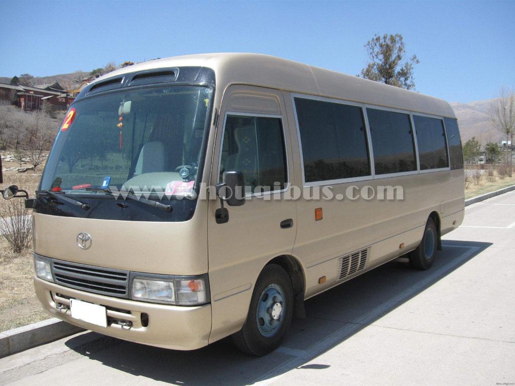 北京15座中巴车考斯特接送领导座位如何安排?包车费用是怎样算的?