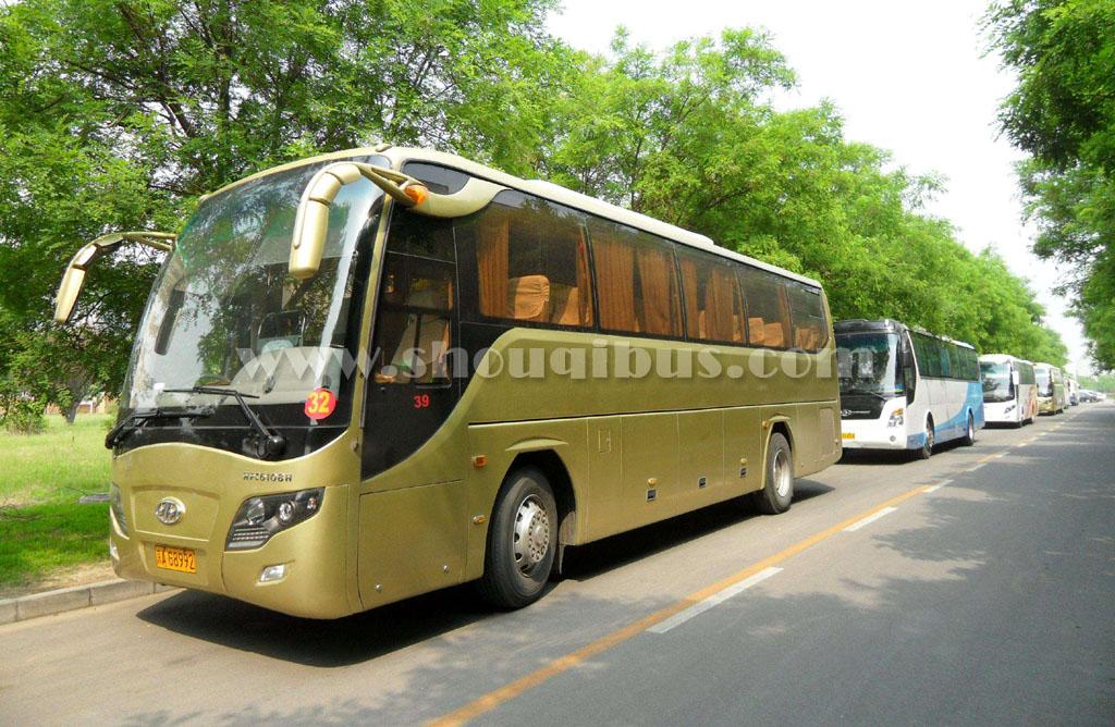 北京54座的大巴租赁价格多少钱一天?