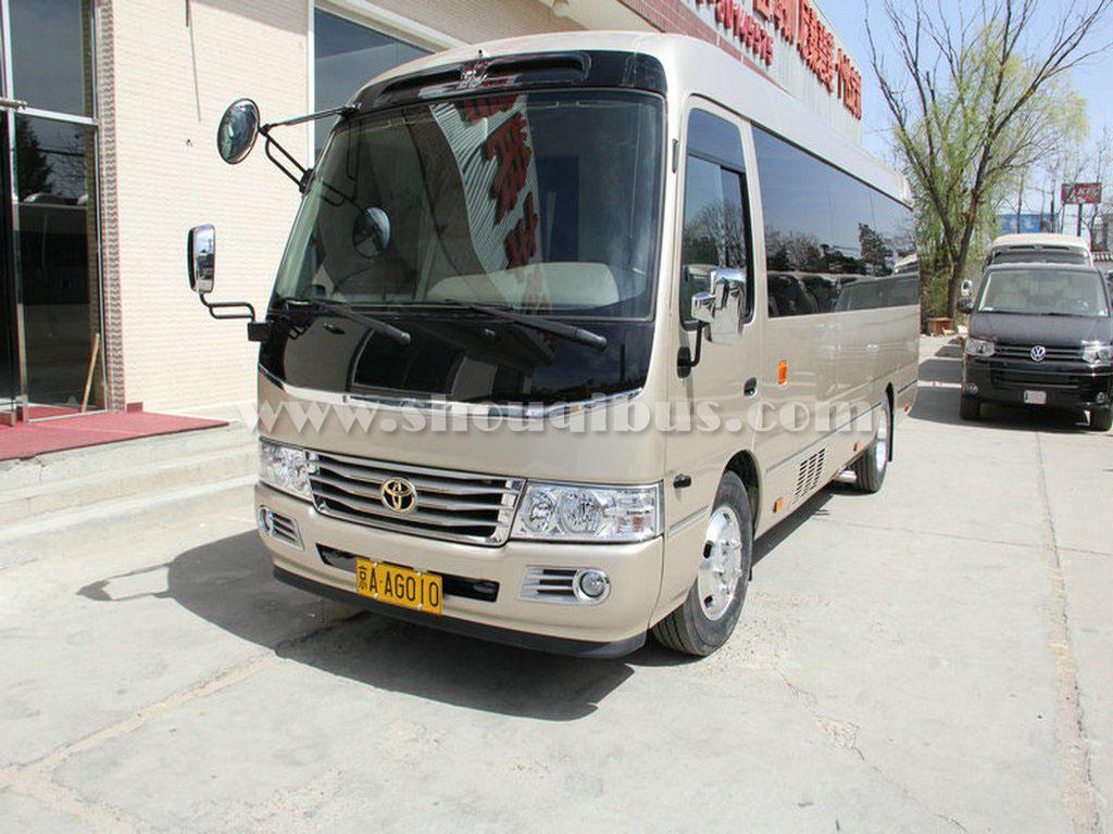 北京19座中巴车带司机租赁一天要多少钱