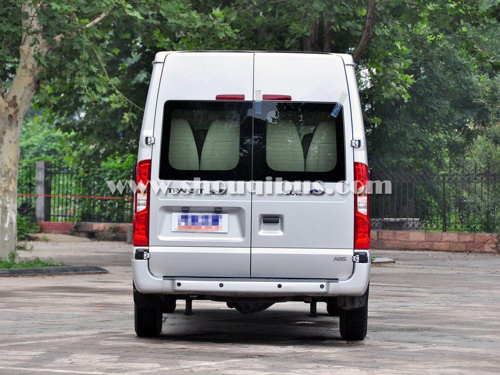 北京包中巴车带司机一天多少钱?各种车型报价